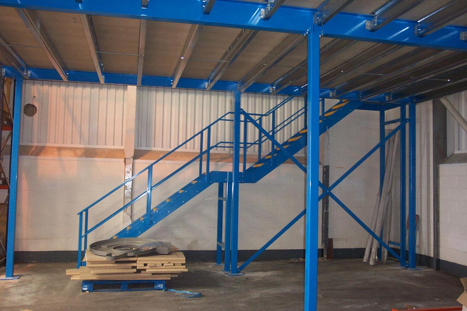 Mezzanine floor industrial mezzanine floor layout for How to build a mezzanine floor in your home
