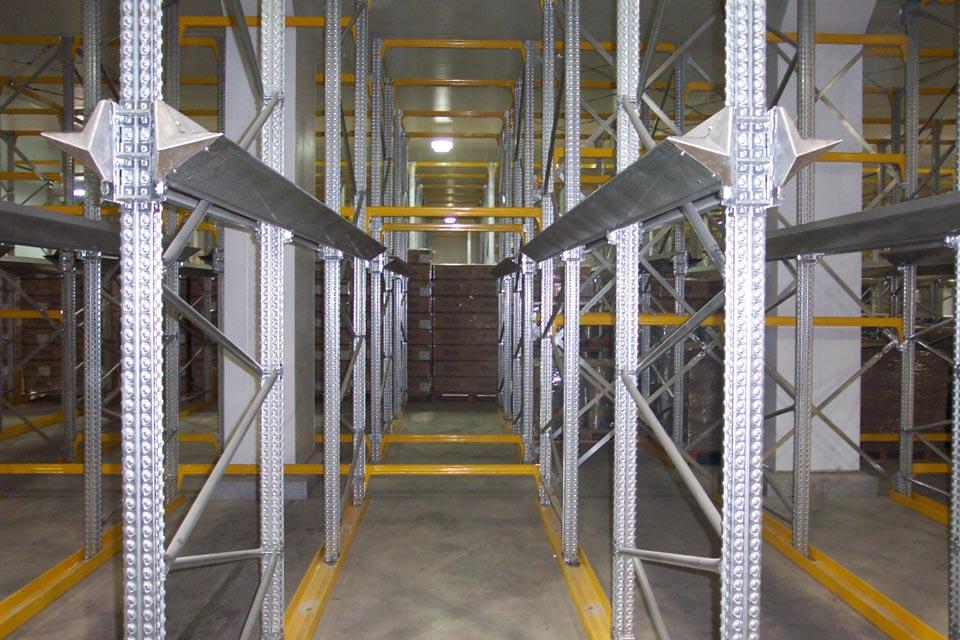 Drive In Racking Heavy Duty Shelving Steel Shelving