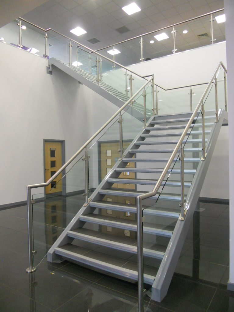 Nice Bespoke Feature Staircase And Stainless Glass Handrail ...